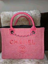 Pink tote with the big C