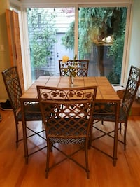 Table and 4 chairs beautiful lattice and Ivy patte Wilsonville, 97070