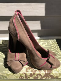 Brown and Pink Heels. Never worn. Brand New Size 7.5 Chicopee, 01020
