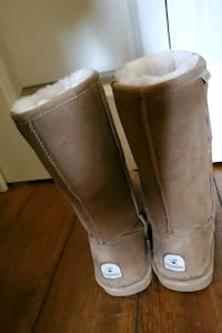 Bear Paw Shearling Lined Boots size 9 Excellent Condition!! Vancouver, 98686
