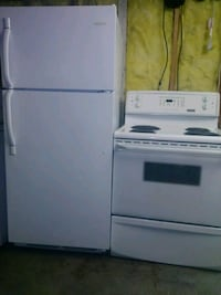 Frigedaire refrigerator and stove Windsor, N9C 1B4
