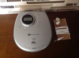 Portable cd player / Radio Tuner by White-Westinghouse