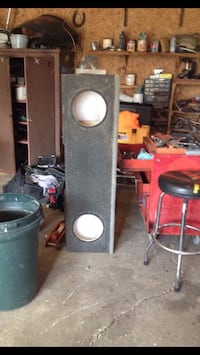 Black loudspeaker enclosure