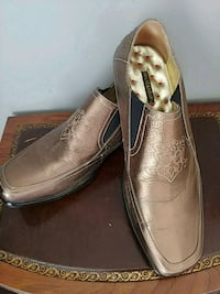 Mens gold slip on shoes Toronto, M8V 1A9