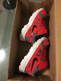 Nike shoes brand new  Toronto, M4H 1L5