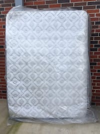 Sealy Performance Humboldt QUEEN size Mattress+ Box Spring  Houston, 77042
