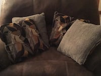 4 pillows Salem, 24153