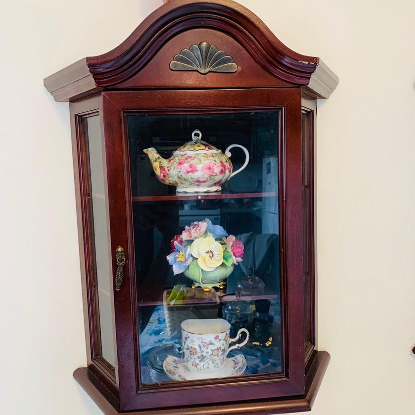 One pair decoration cabinet