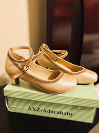Gold party shoes for girl, size 1 Laredo, 78045