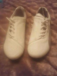 pair of white Nike low-top sneakers Fresno, 93722