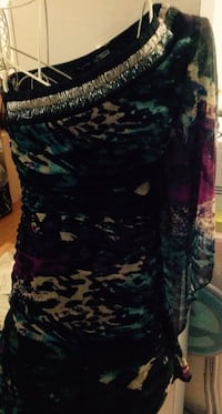 Party dress size large fits like medium 544 km