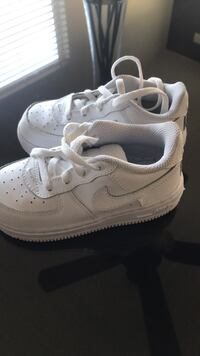 pair of white Nike Air Force 1 low shoes Stockton, 95206