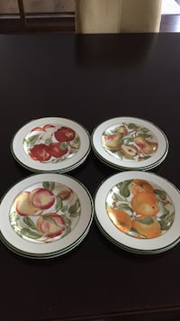 8 desert/salad plates.  Perfect condition. Collingwood, L9Y 1Y1