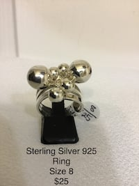 Beautiful Sterling Silver Ring, Size 8, Excellent Condition Chesapeake, 23320