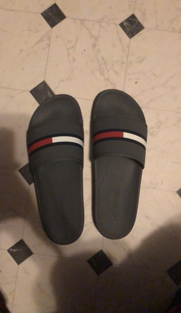 f02e012e0fc Used Tommy Hilfiger Slippers for sale in Baton Rouge - letgo