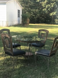 black metal framed patio table set 405 mi