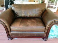 leather loveseat - like new. Merry Christmas - just lowered the price South Pasadena, 91030