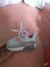Never Worn Baby Nike Air Max Size4 shoes Baltimore, 21207