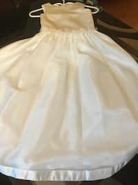 White communion/flower girl dress size 7 Toronto, M3N 1E7