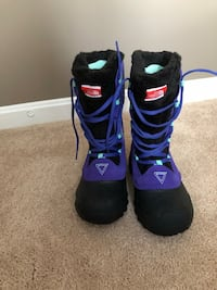 Girls North Face Winter Snow Boots size 4 Odenton, 21113