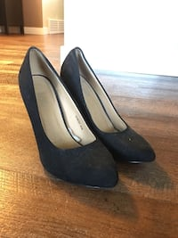 Two Pairs Heels/Shoes Size 8 Black & Tan Calgary, T2W 5A8