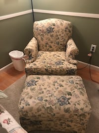 Broyhill chair and ottoman Brookeville, 20833
