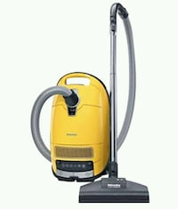 Miele S8390 Calima Canister Vacuum (Old Model) Fairfax, 22032