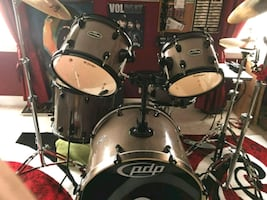 5 piece drum kit. PDP Mainstage with Zildjian cymbals