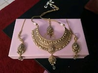 Heavy bridal jewellery set  Surrey, V3W