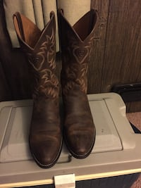 Pair of brown leather wide-calf cowboy boots Hallam, 17406
