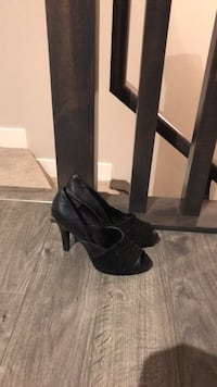 Size 7 Nine West heels  Calgary, T3E