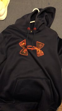 black and red Under Armour pullover hoodie Lincoln, 68521