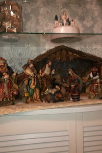 Nativity set and Creshe, perfect condition, see all 4 pics Salem, 03079