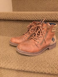 Boys casual boots Calgary, T2Z 0M2
