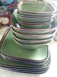 green and white ceramic plates Hagerstown, 21740