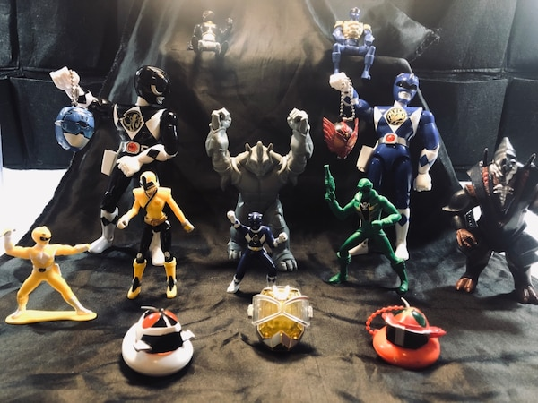 assorted color action figure collection b64820a4-91f9-4c05-b7aa-f102b3702f1b