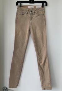Guess - Size 23 Vancouver, V5Y