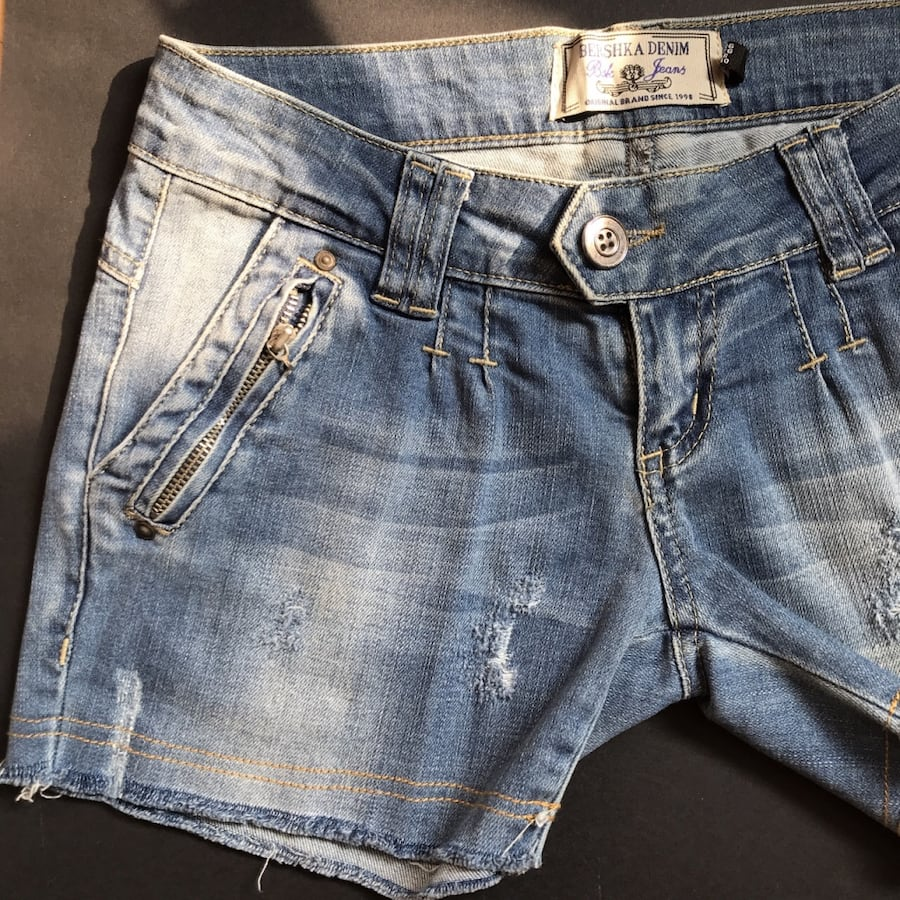 low waisted blue jean shorts