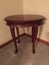 """Solid wood round accent table. 22"""" tall and 15"""" wide. Virginia Beach, 23455"""
