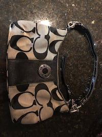 Small black and white Coach purse  Bowie, 20720