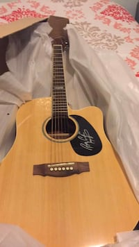 Signed Billy Currington Guitar Bel Air, 21014