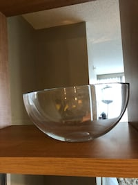 Large IKEA glass mixing bowl New Westminster, V3L 3A8