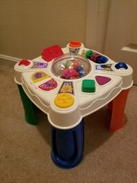 Baby activity table Herndon, 20171