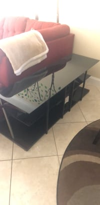 Tv stand- fits 60 inch TV Deerfield Beach, 33442