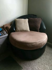 Round chair-like new South Bend, 46614