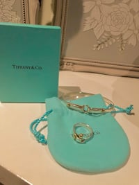 Tiffany Hook and Eye Ring. 18K Gold and silver. Not Neg.! Mississauga