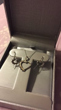 Zales necklace and earrings set Bloomington, 47403