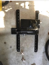 Sanus TV Mount Sanus W Arm to move in out and Swivel holds large tv