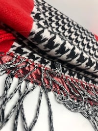 Woman's houndstooth scarf Dallas, 75254