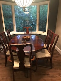 Dining room / China cabinet Chestermere, T1X 1A6